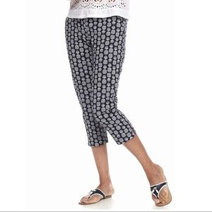 Crown & Ivy Pineapple Print Capri Pants 12